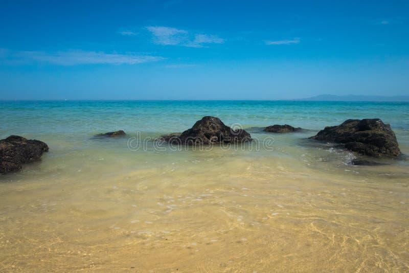Mattina di estate alla spiaggia di Punta Negra fotografia stock libera da diritti