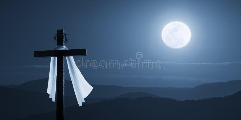 Mattina illuminata dalla luna Christian Cross Concept Jesus Risen di Pasqua alla notte fotografia stock libera da diritti