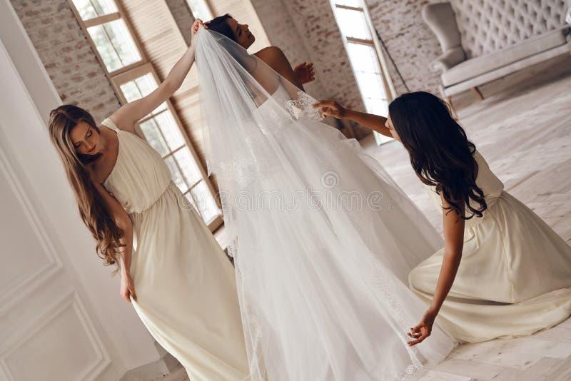 Mattina occupata di nozze fotografia stock libera da diritti