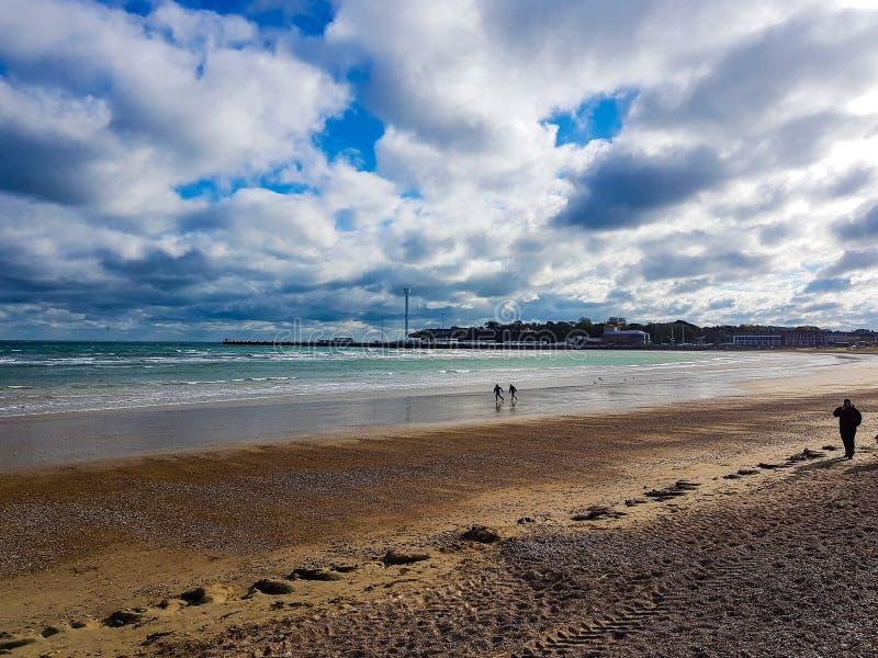 Mattina pacifica di vista della spiaggia di Weymouth fotografia stock