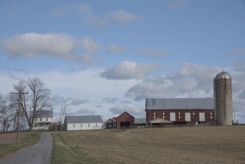 Mattina sull'azienda agricola fotografie stock libere da diritti