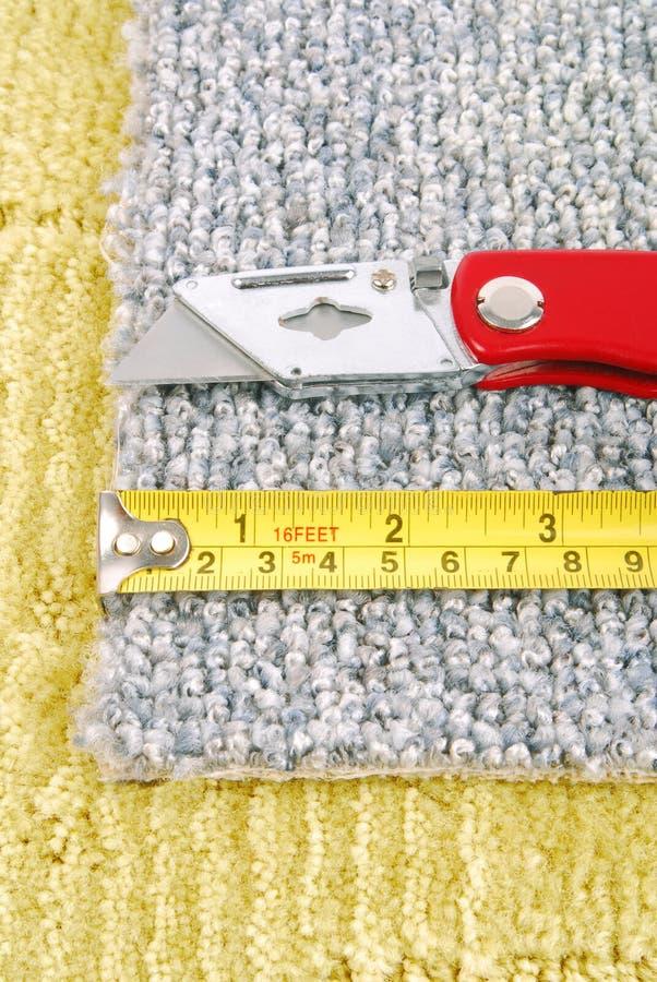 Mattmontering med hjälpmedel arkivbild