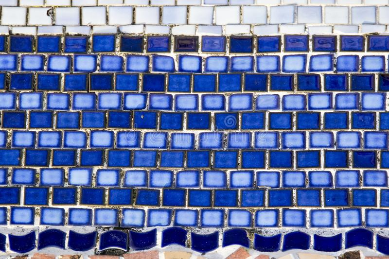 Mattonelle blu del mosaico fotografia stock