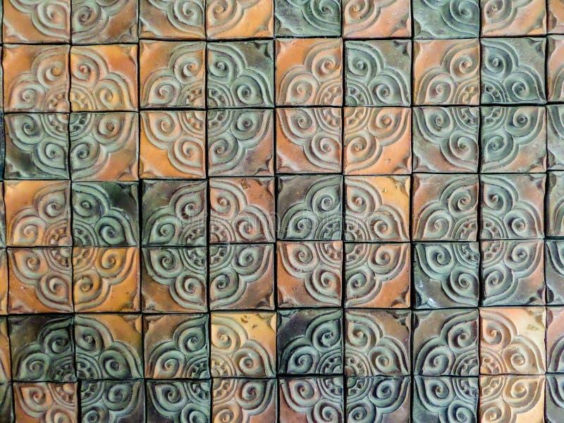 Mattonelle della parete dell'argilla del mosaico fotografia stock