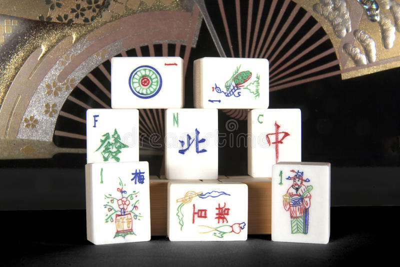 Mattonelle di Mah Jong con i ventilatori fotografia stock libera da diritti
