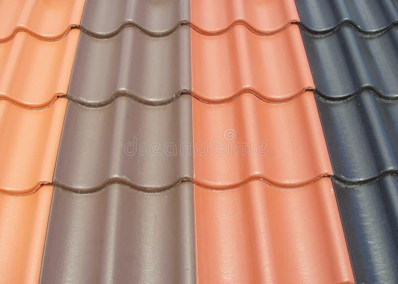 Mattonelle di tetto colorate fotografie stock