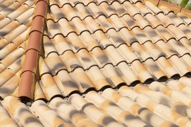 Mattonelle di tetto domestiche della Camera spagnola, assicelle fotografie stock