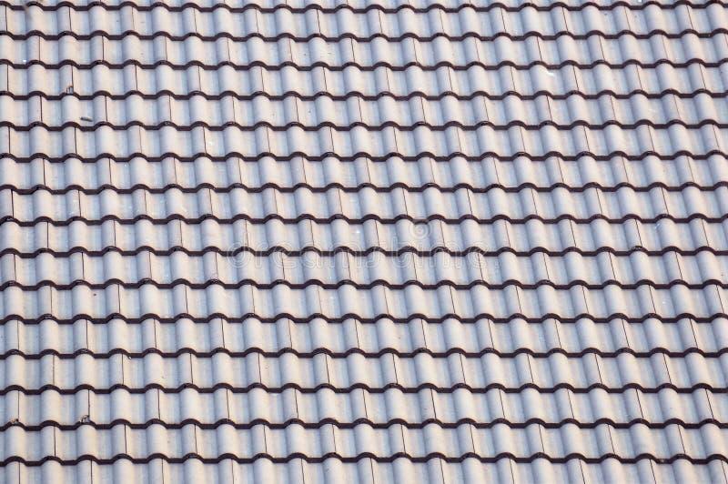 Mattonelle di tetto verdi fotografie stock