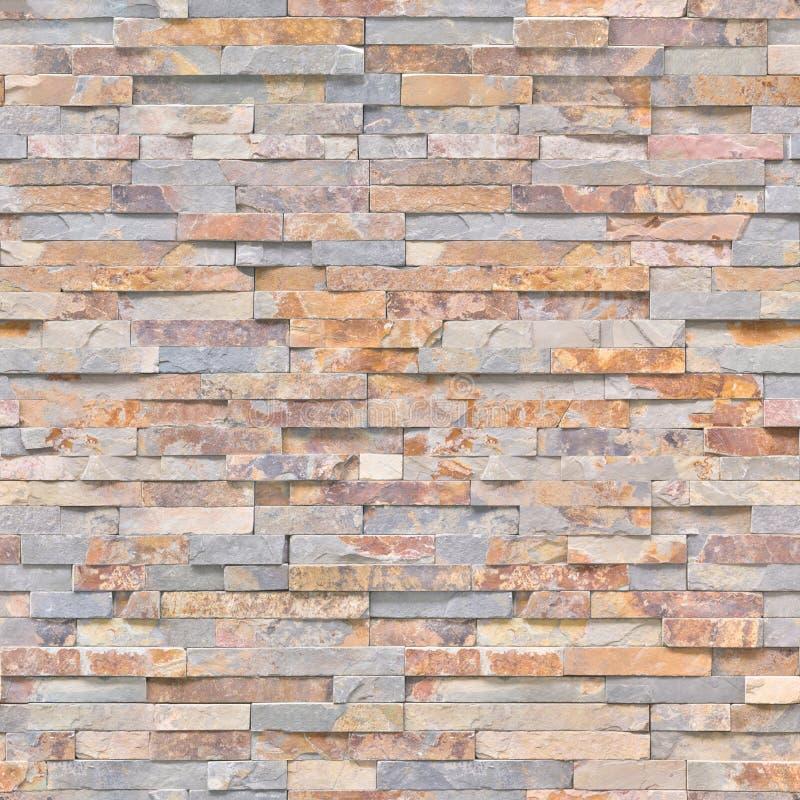 Mattonelle sull'imitazione della parete della pietra naturale per l'interno della casa Struttura o fondo immagini stock libere da diritti