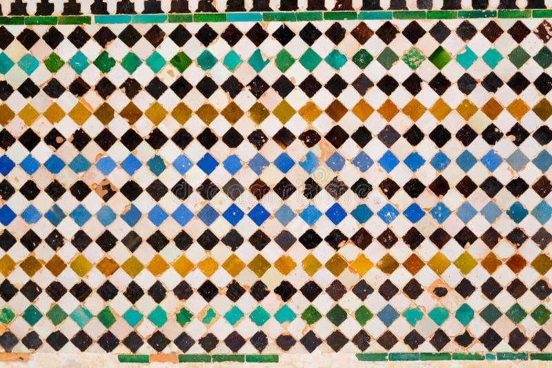 Mattonelle variopinte a Alhambra immagini stock