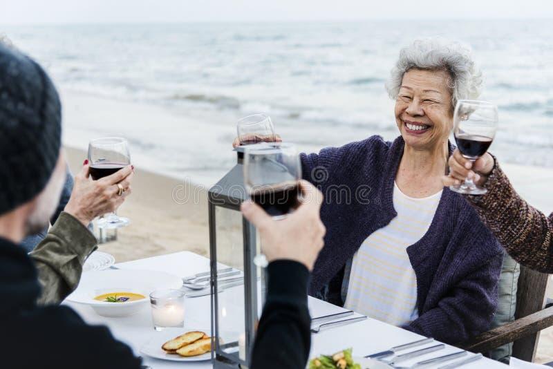 раз я выпил с друзьями по привычке слушать - 3