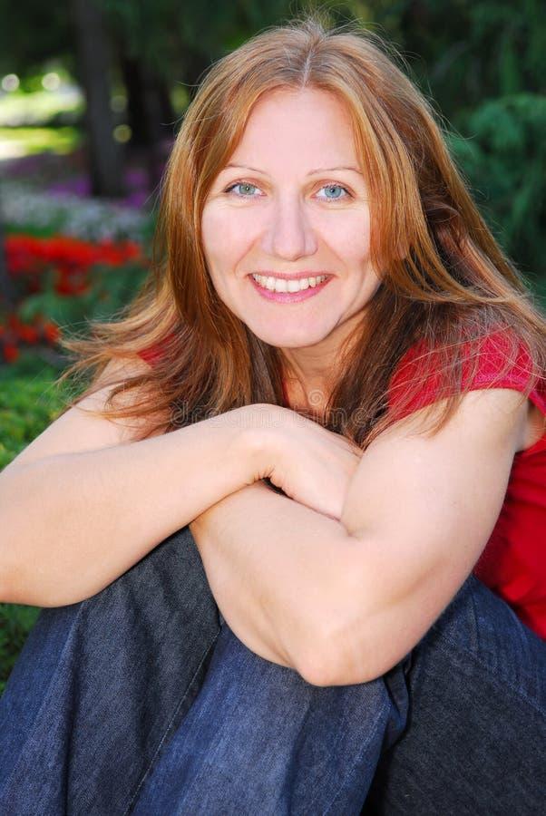 mature smiling woman στοκ εικόνες