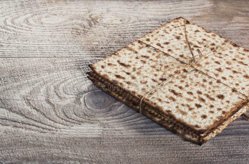 Matza judío en pascua judía fotografía de archivo