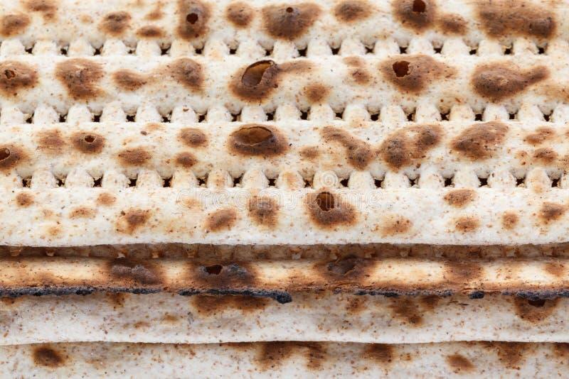 Matzah Pan tradicional jud?o de la pascua jud?a S?mbolo de la celebraci?n de Pesach fotos de archivo