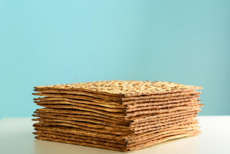 Matzah para la pascua jud foto de archivo