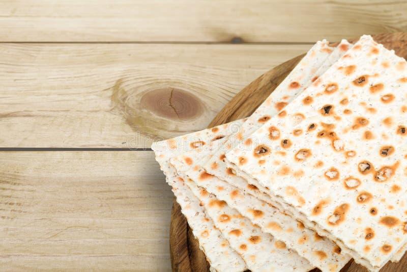 Matzahs Joodse geïsoleerde passover matzah royalty-vrije stock fotografie