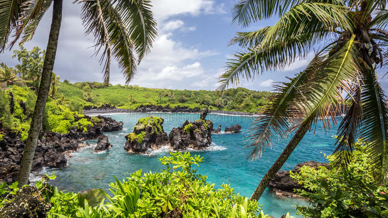 Maui\'s Black Sand Beach stock image. Image of attractions - 49278187