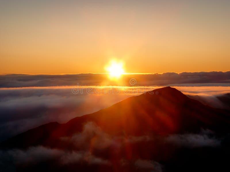 Maui soluppgång - Haleakala krater arkivfoton