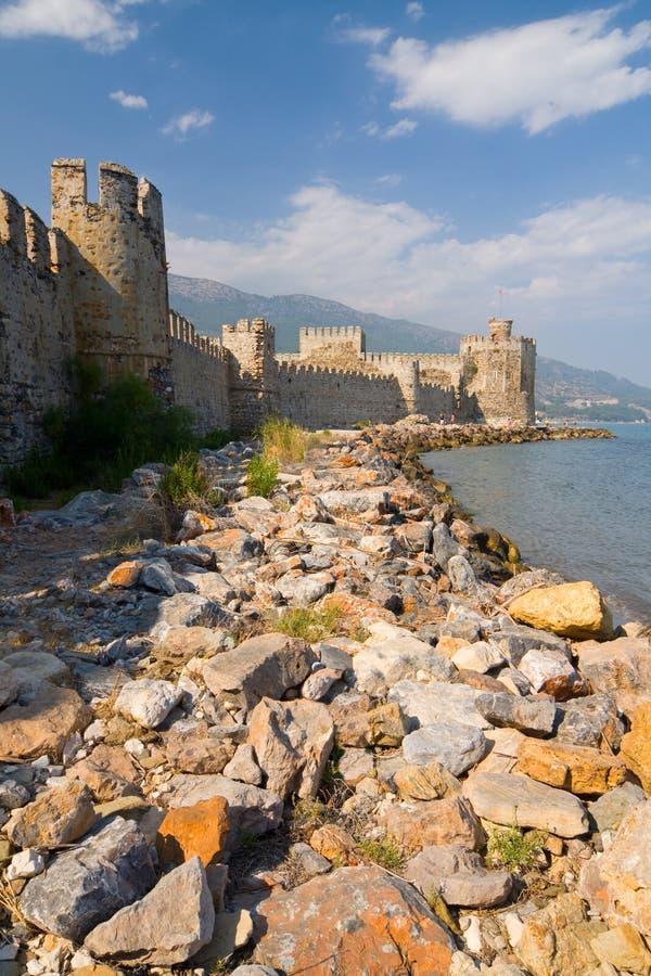 Maumere fästning nära Anamur, Turkiet royaltyfri foto