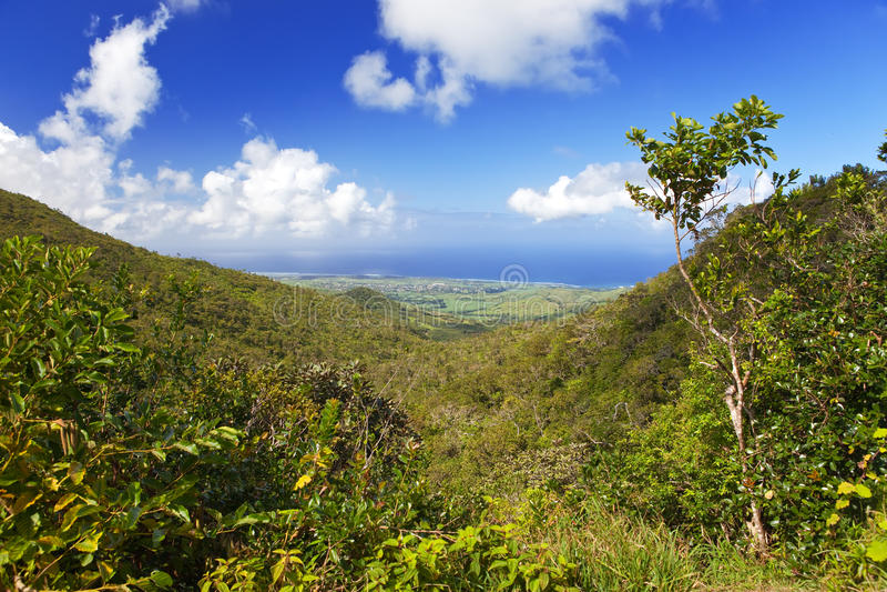 Mauritius. Mening van bergen en Indische Oceaan stock fotografie