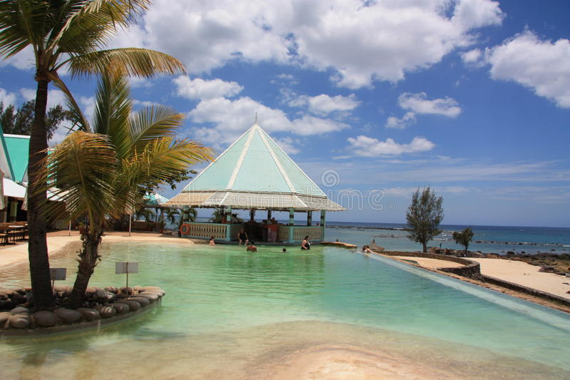 mauritius Piscina bonita no hotel imagem de stock