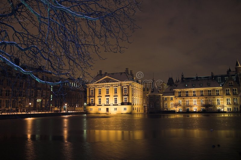 Download The Mauritshuis Seen From De Hofvijver In The Hague At Night, Covered By Snow. Stock Photo - Image of architecture, haag: 469922