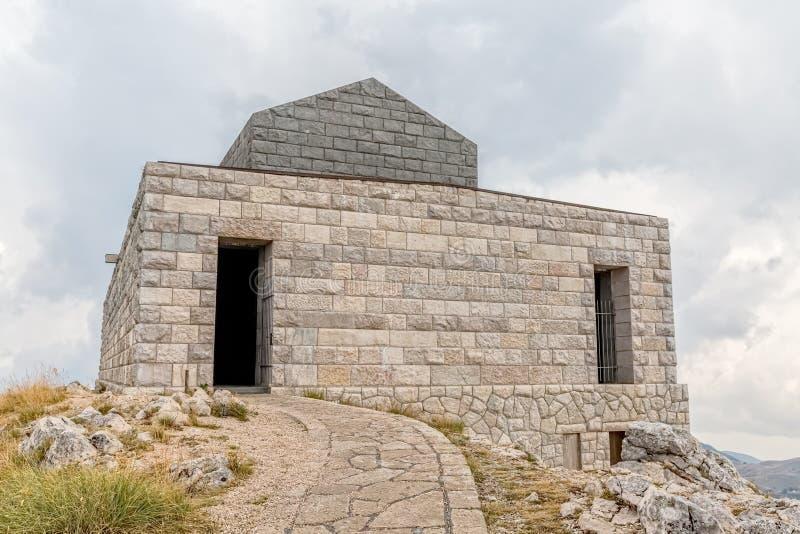 Mausolée de Njegos sur la colline de Lovcen photos stock