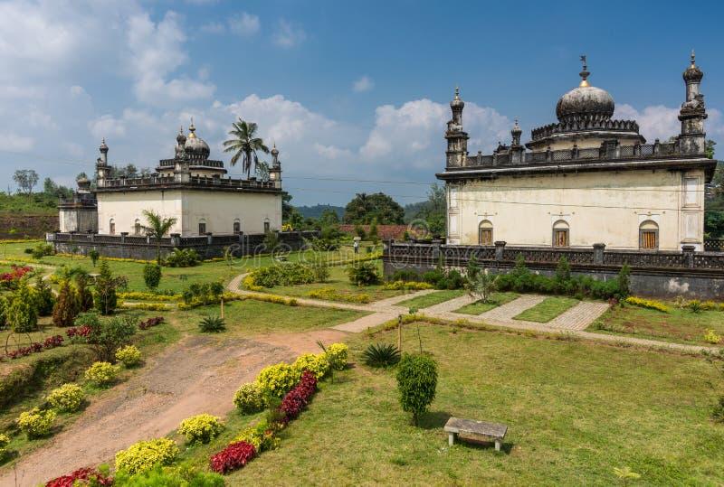 Mausolée trois royal au domaine Raja Tombs, Inde de Madikeri image libre de droits
