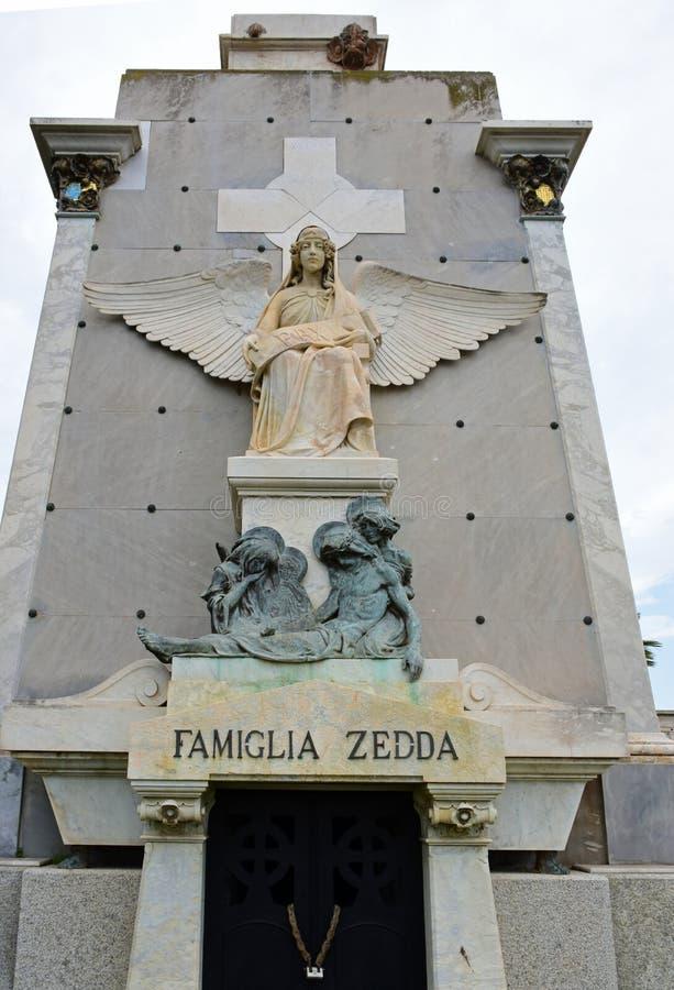Mausoléu da família, Cemitério di Bonario, Cagliari, Sardinia fotografia de stock