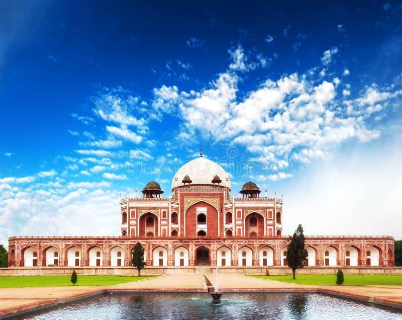 Mausoléu do túmulo de Deli Humayun da Índia. Arquitetura indiana fotografia de stock royalty free