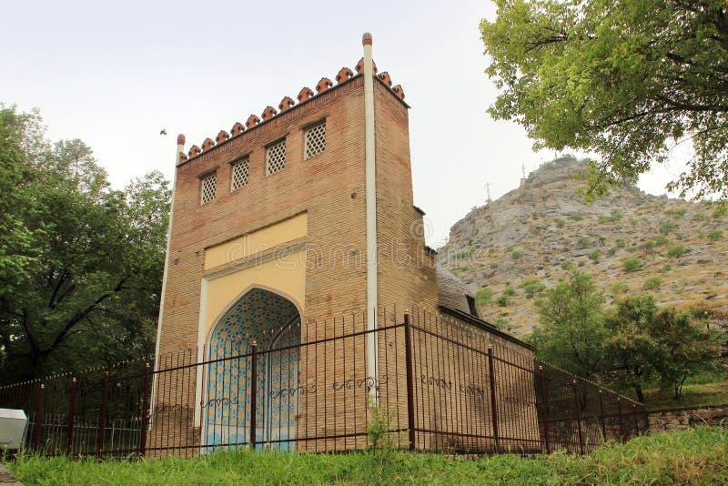 Mausoleet av Asaf ibn Burhiya i den Osh staden, Kirgizistan royaltyfri fotografi