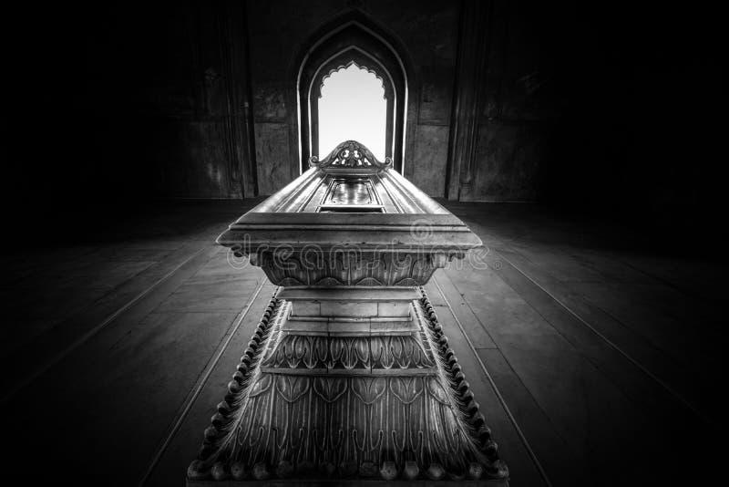 Mausoleet av Safdurjung i Indien royaltyfri bild