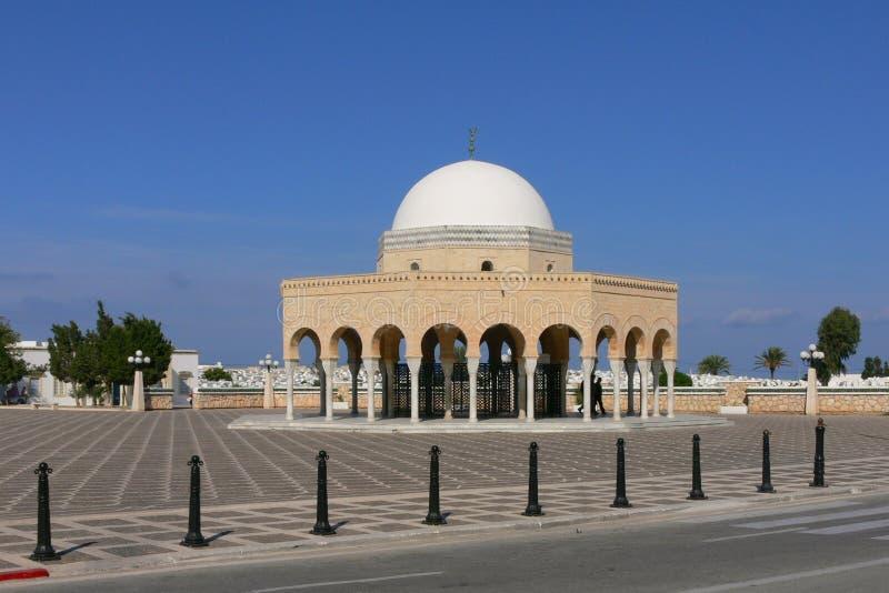 Mausoleu av av martyr på den Habib Bourghiba ingången arkivbilder