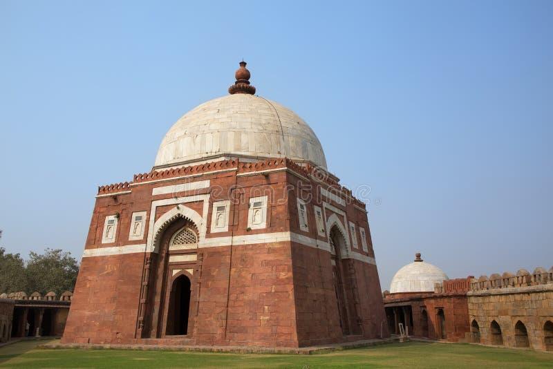 Mausoleum av Ghiyath al-buller Tughluq, Tughlaqabad fort, Delhi, in royaltyfri bild