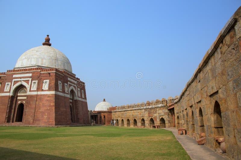 Mausoleum av Ghiyath al-buller Tughluq, Tughlaqabad fort, Delhi, in royaltyfri fotografi