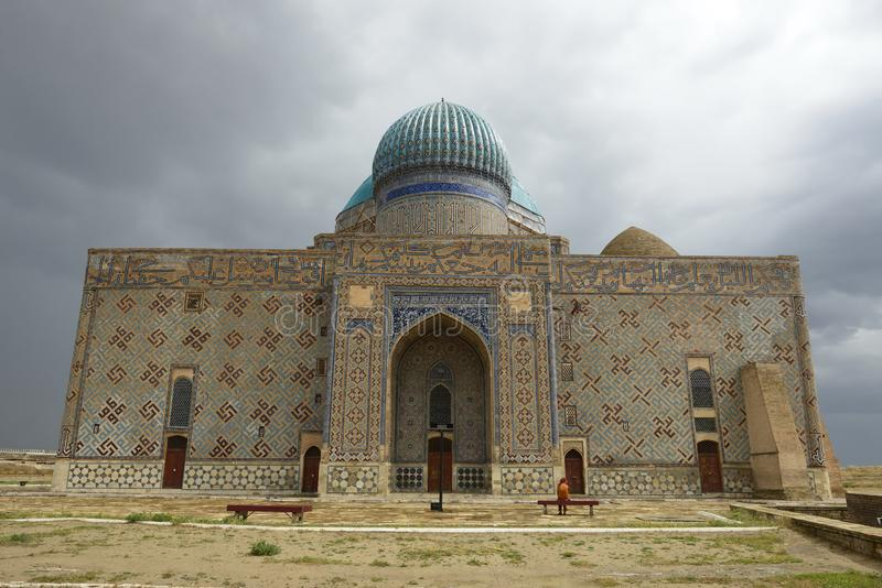 Mausoleum av Khoja Ahmed Yasawi i Turkistan, Kasakhstan royaltyfri bild