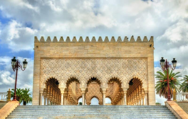 Mausoleum av Mohammed V, en historisk byggnad i rRabat, Marocko Det innehåller gravvalven av den marockanska konungen och hans royaltyfri bild