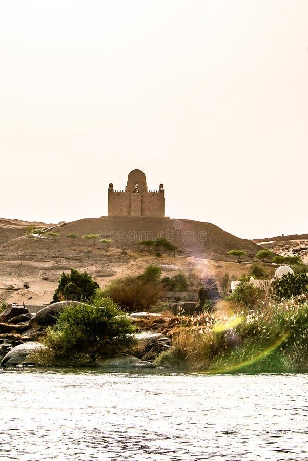 Mausoleum van Aga Khan Sultan Muhammed Shah in Aswan Nijl van Egypte wordt gevestigd dat royalty-vrije stock fotografie