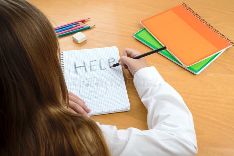 Mauvais traitement à enfant image libre de droits