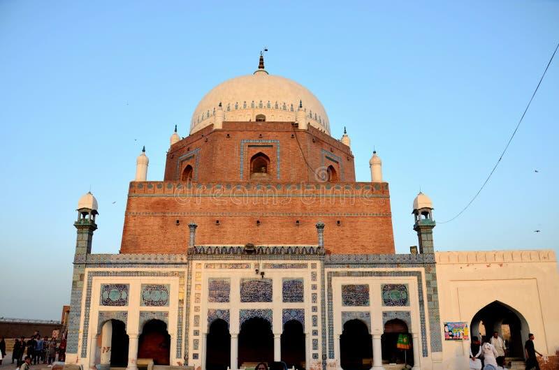 Mauzoleum świątyni grobowiec Sufi świątobliwy Sheikh Bahauddin Zakariya Multan Pakistan zdjęcia stock