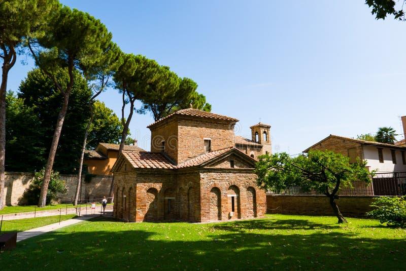 Mauzoleum Galla Placidia, kaplica upi?kszaj?ca z kolorowymi mozaikami w Ravenna Ja wyznacza? jako UNESCO ?wiat zdjęcia royalty free