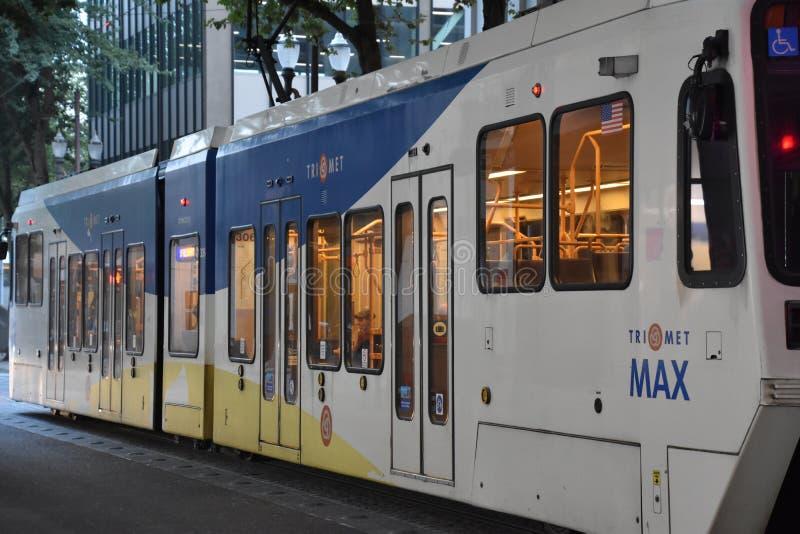 MAX Light Rail Streetcar in Portland, Oregon stock fotografie