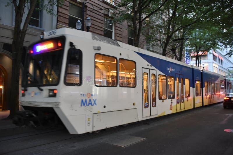 MAX Light Rail Streetcar in Portland, Oregon stock foto's