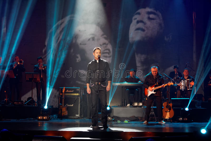 Download Maxim Leonidov Performs On Stage At Taganka Theater Editorial Image - Image: 29438015