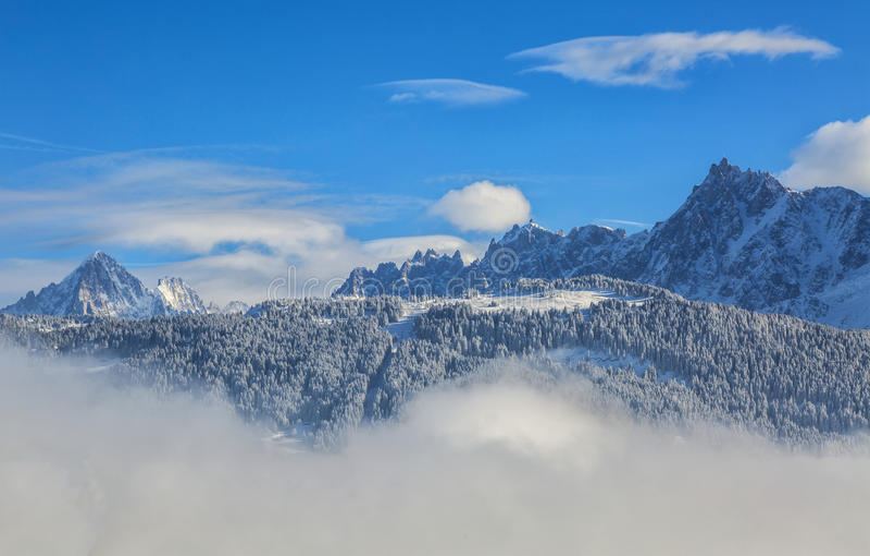 Maxima över molnen fotografering för bildbyråer