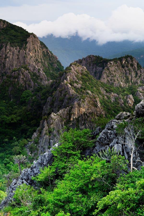 Maximum av moutain, Khao Dang, Sam roi-yot royaltyfri foto