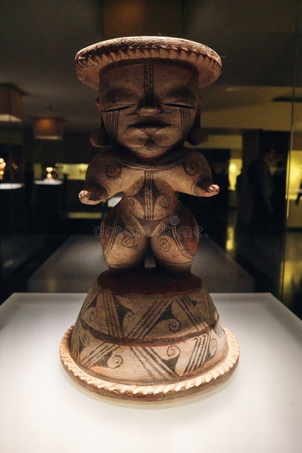Maya cijfer uit goud wordt gemaakt dat stock foto's