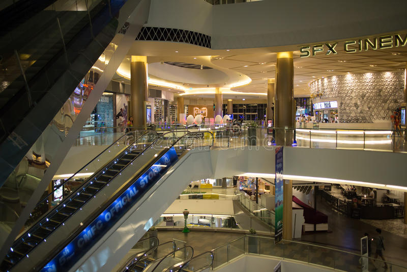 Maya Lifestyle Shopping Center interna immagini stock