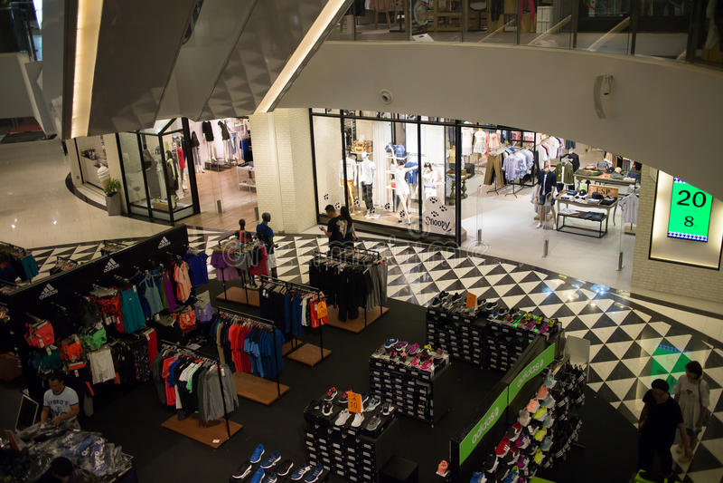 Maya Lifestyle Shopping Center interna fotografia stock