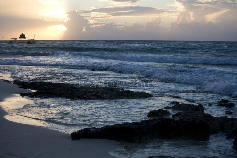 maya plażowe Riviera sunrise fale fotografia stock
